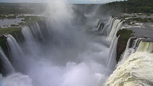 Iguazu瀑布(阿根廷、巴西边界)