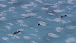 冰上摩托(Baffin岛,加拿大)